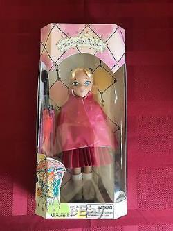 2004 Madame Alexander The English Roses Binah NIB Blonde Blue Eye Pink Coat