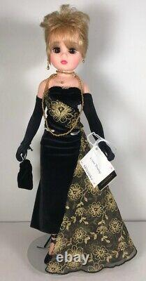 Beautiful Madame Alexander IVANA TRUMP 17 Doll