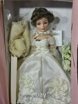 Jacqueline Kennedy Porcelain Bride Doll Madame Alexander NRFB/MINT/PERFECT