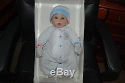 Lee Middleton Newborn Nursery 20'' Little Sweetheart Blonde Blue Eyes Light Skin