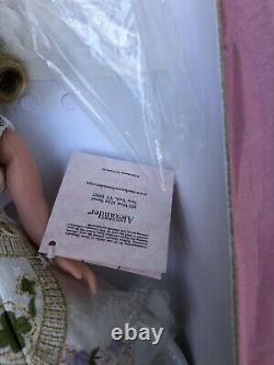 MADAME ALEXANDER Queen Elizabeth II Processional Cissette 10 2002 MIB