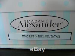 Madam Alexander Cissy NIB 2004 Life in the LImelight A/A #38346 COA