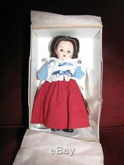 Madame Alexander 8 Sewing Circle Scarlett O'Hara Doll