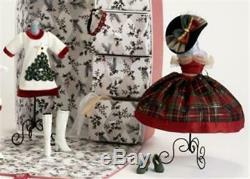 Madame Alexander Cissette Christmas Trunk Gift Set, NRFP, Mint