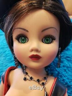 Madame Alexander DOLL OBJECT OF DESIRE L. E 200 Latin American 21 Doll New