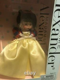 Madame Alexander Doll 42445 Snow White Disney Storyland 8 Retired New in Box
