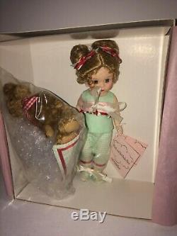 Madame Alexander Doll Wendy And Her Radio Flyer 42360 NIB 8 Doll