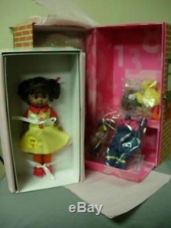 Madame Alexander Wendy 1, 2, 3 Sesame Street Trunk African American Doll Nib