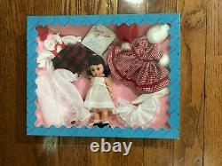 Madame Alexander Wendy Loves Being Loved 8 Doll & Accessory Gift Set Vintage