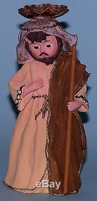 Madame Alexander resin doll figurine Nativity scene 9 pcs Family, kings, angel