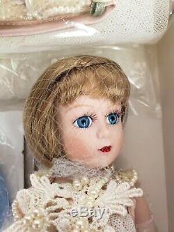 NIB Madame Alexander 2001 Porcelain Margaret 27336 1920s Honeymoon Trunkset