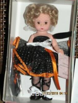 NRFB 8 MADAME ALEXANDER HALLOWEEN (CAT) #31465 on CUSTOM-MADE STAND