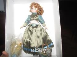 VERY RARE Madame Alexander 10 MADCC Williamsburg 2006 Sophia All in a Row Trave