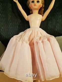 Vintage 1963 MADAME ALEXANDER Elise Doll 17 Blue Auburn Tagged Dress Shoes